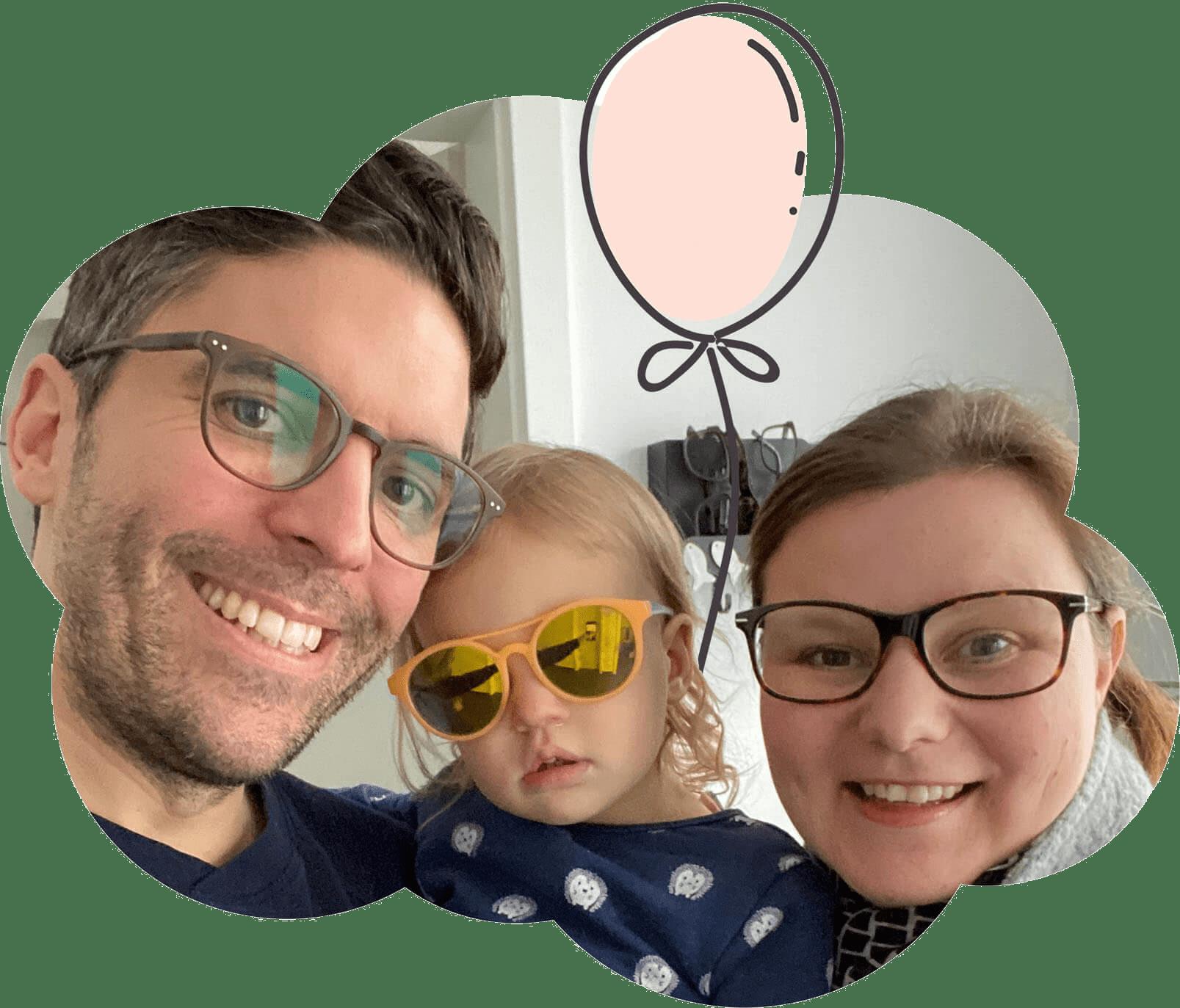 Familienselfie von Papa, Tochter und Mama